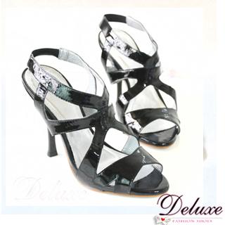【Deluxe】流行定番-亮面漆皮線條交叉羅馬高跟鞋★黑