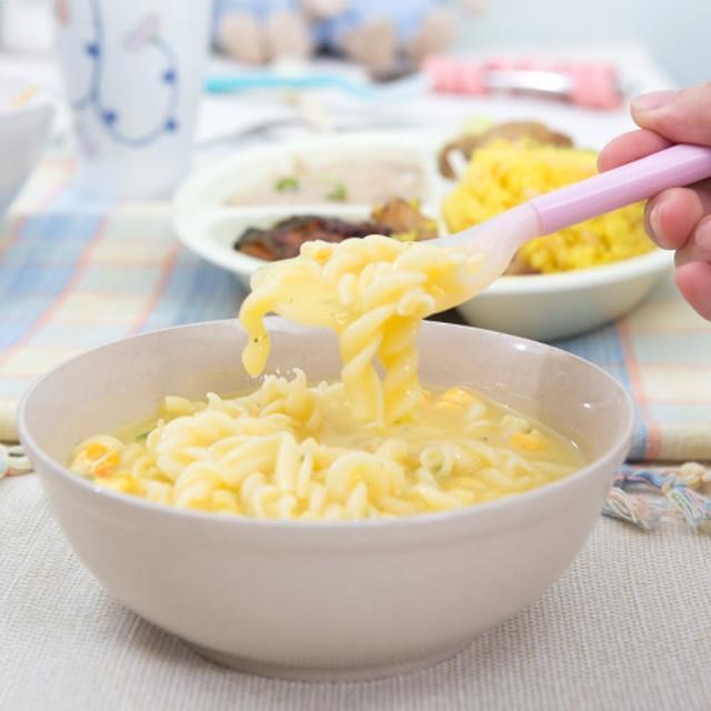momo 300折價券【樂活動】Pastel 輔助餐具 防滑型粉彩湯匙(粉黃L)