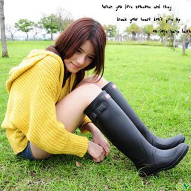 【勸敗】MOMO購物網【Sanho】時尚典雅防水長筒雨靴(帥氣黑)開箱momo折價眷