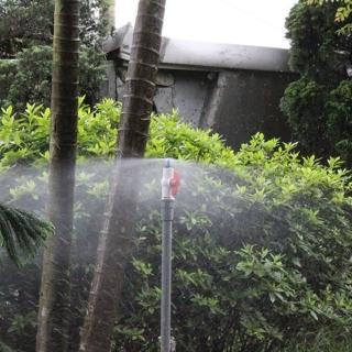 【灑水達人】微霧可調平射噴頭與20公分腳架6個