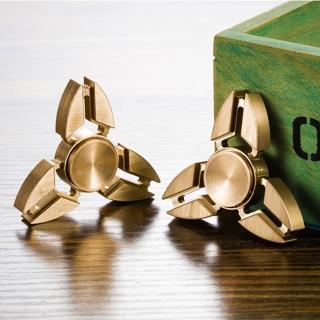 【指尖陀螺 Hand Spinner】指尖陀螺三葉鋁合金鐵盒版(顏色隨機)